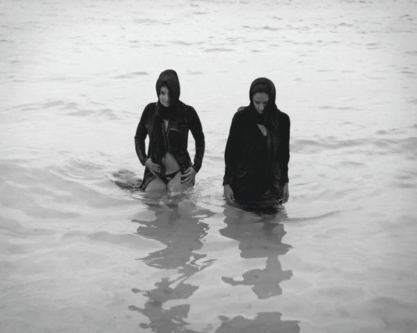 burkini-beach_32x40