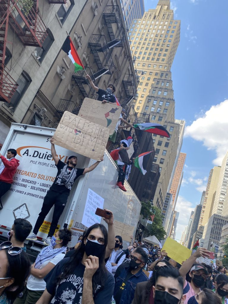 painting-palestine-through-protest
